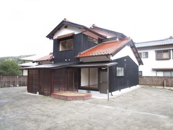 島根県益田市下本郷町の中古住宅の外観写真
